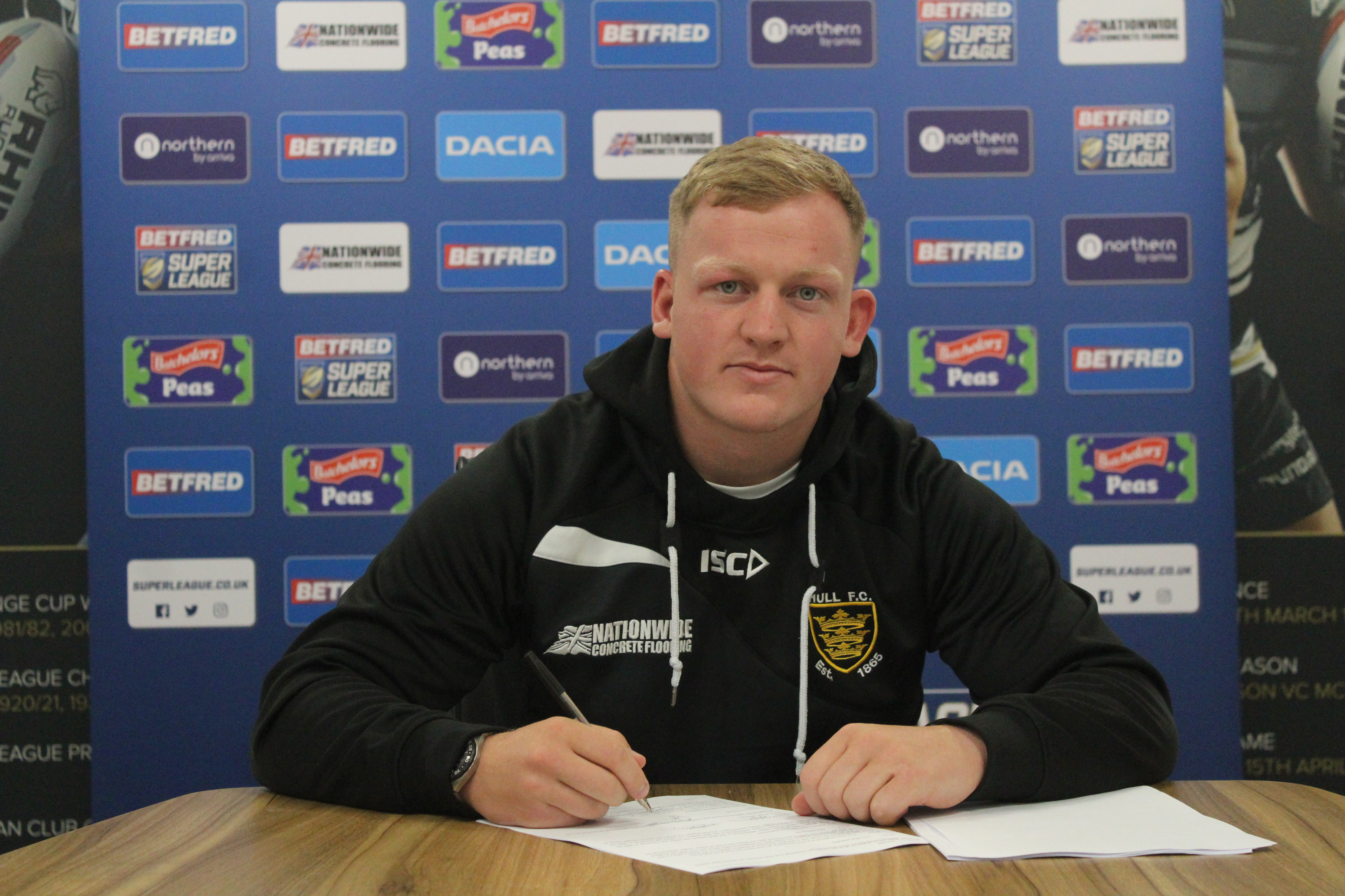 Johnstone has put pen to paper on a three-year deal with Hull FC from the start of the 2020 campaign.