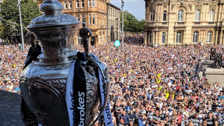 Over 25,000 people welcomed home the Black & Whites after their 2017 Challenge Cup triumph in Queen Victoria Square.